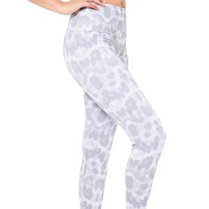 Onzie High Rise White Pants Size XS